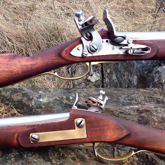 Modellen er en forbedring av den svenske M1811/1815 detalj av lås og låseblikk