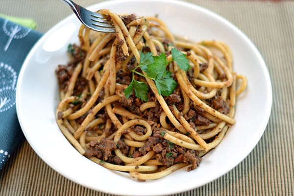 Weird Spaghetti - A vegan take on Cincinnati chili.