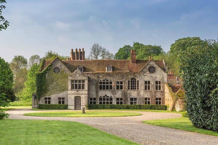 Royally famous: Daniel Craig, Kate Winslet and Benedict Cumberbatch have all filmed on location at listed manor in Henley with royal links