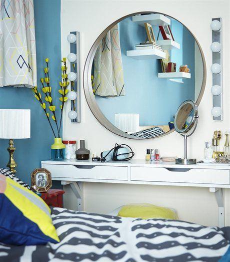Meikkipöytä pieneen makuuhuoneeseen - hyllyt seinälle ja peili