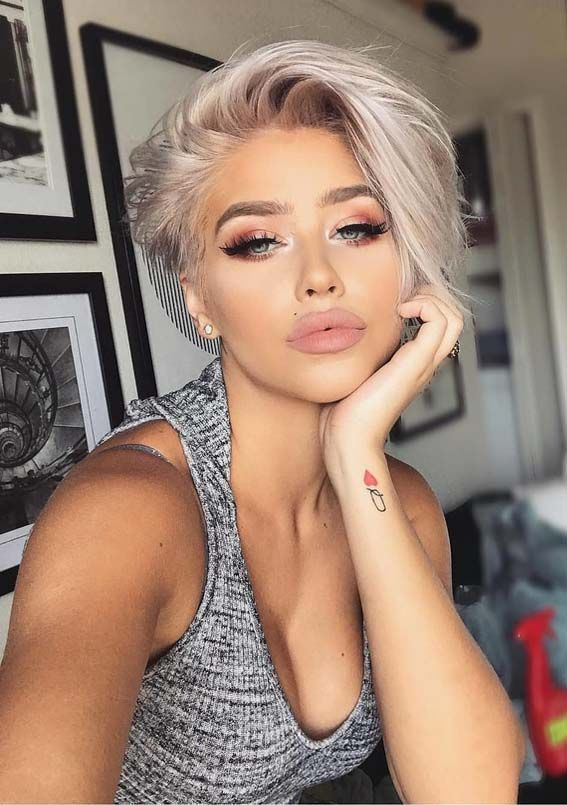 Here you may find our most favorite styles of short blonde haircuts and hair colors that you may use to wear in this year. You can say this is one of the best and bold cut for every woman right now. #womenshorthairstyles