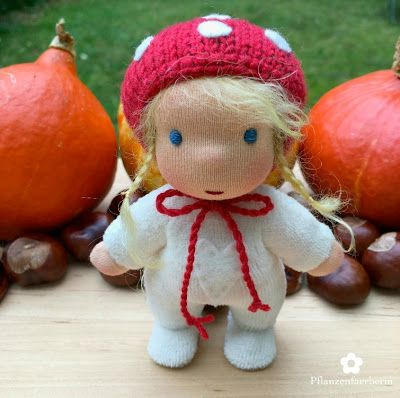 Pflanzenfaerberin - Isle of Fae - Mini Lucky Charm Doll with blue eyes