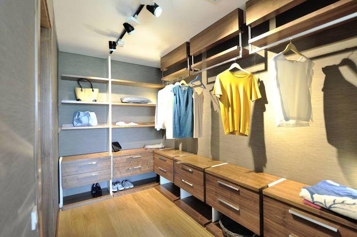 Voltaj Tasarım - Theatron Bodrum: modern tarz Giyinme Odası