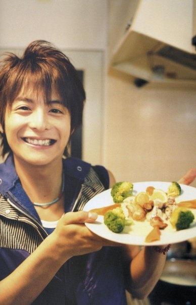 Teppei Koike  Charlie baked some broccoli <3