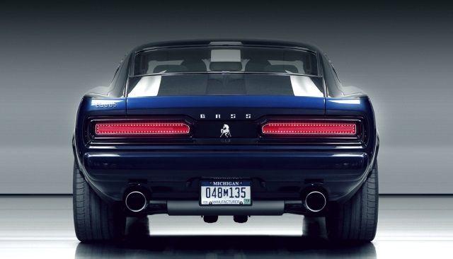 Equus, un nom qui ne vous dit sans doute rien, et pourtant le constructeur existe depuis 2009. La philosophie d'Equus ? refaire de vraiespony carsavec des technologies actuelles. Ici pas question de châssis de 1960 modernisé mais une vraie voiture reprenant le style et l'esprit des 'stangs. La BASS 770 est la deuxième production d'Equus qui s'est fait connaître par une EQ500 Tom1 (et Tom2) qui jetait déjà les bases de cette Bass 770. Bien évidemment vous aurez remarqué que le logo, le nom…