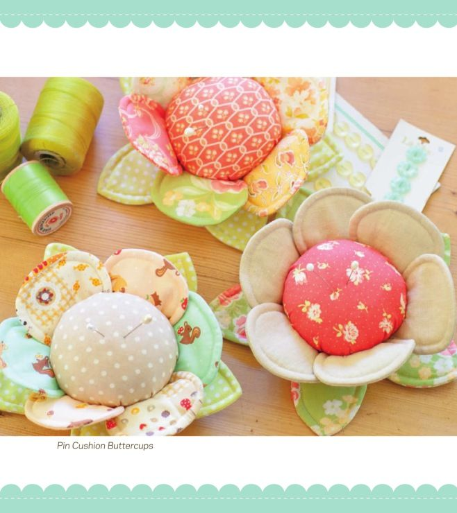 flower pincushions - free pattern