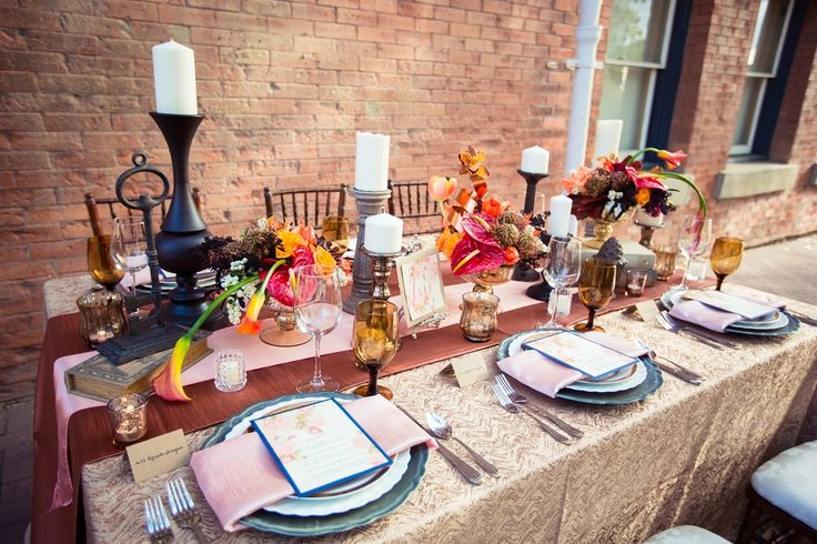 Amber Enchantment: Elegant + Classic Beauty - www.theperfectpalette.com - Styling by Kristina McAnally of Special Event Rentals