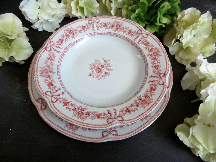 Limoges Porcelain Dinnerware Set. French Vintage Porcelain of Paris dinner plates and bowls . Romantic dinner set by CabArtVintage on Etsy