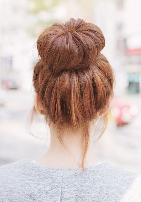 THIS is how you get that perfect bun!! Style your hair with this amazing knitted…