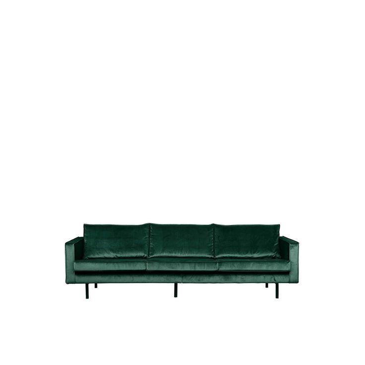 Elegante bank met velvet bekleding. De velvet stof van deze stoel heeft niet alleen een rijk uiterlijk, het heeft nog veel meer voordelen. Zo heeft velvet altijd een mooie glans en heeft het, afhankelijk van de lichtval, een lichtere en een donkere kleur. Een andere eigenschap is dat de stof zacht aanvoelt en het dankzij de productiemethode geschikt voor zeer intensief woongebruik.<br />  <br /> Onderhoud: je kunt de velvet met een vochtige doek schoonmaken. In geval van...