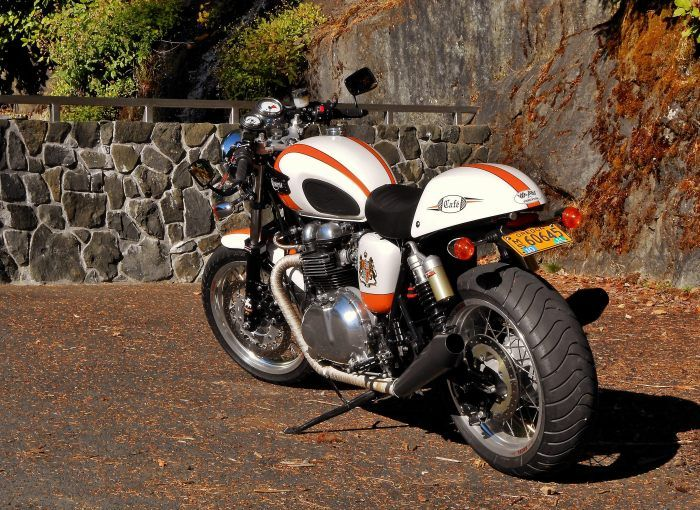 """Thruxton with 17 x 5.5"""" rear wheel, 17 x 3.5"""" front wheel, custom paint and decals, T100 tank."""