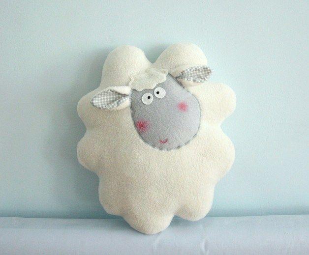 Poduszeczka, przytulanka kremowa owieczka . - Karmelki-by-Ania - Poduszki dla dzieci