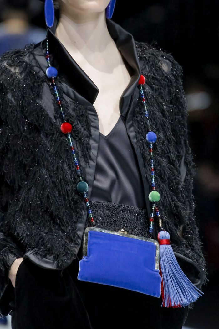 Giorgio Armani осень-зима 2017, 99 лучших сумок Недели моды в Милане