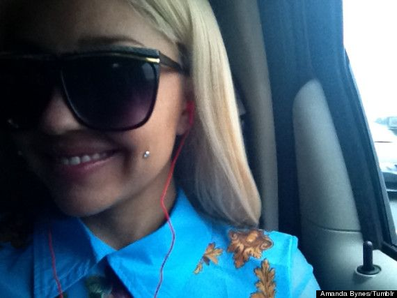 amanda bynes cheek piercing
