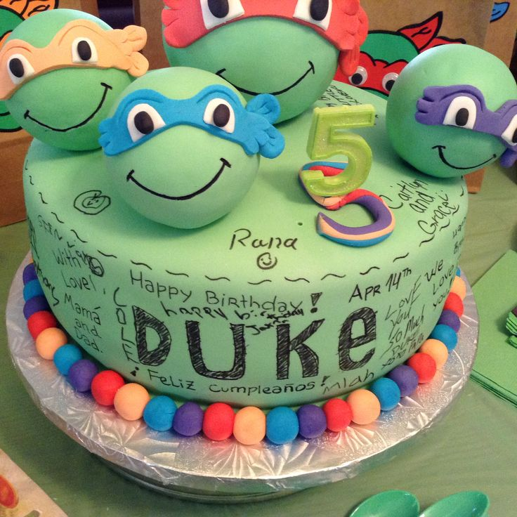 ninja Turtle cake and the awesome idea of sing the cake by the guests