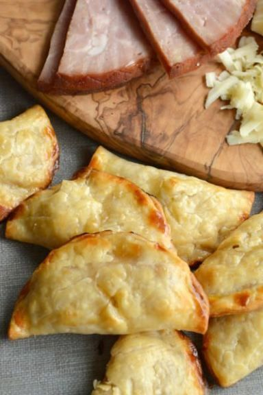 Easy Ham & Cheese Handpies are sprinkled with a bit of brown sugar before baking. Divine! Click through for recipe!