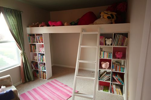 Love how it creates a little room underneath with the built in shelving!