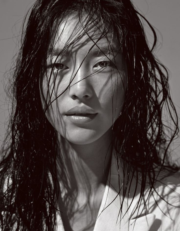 Liu Wen Repinned by www.lecastingparisien.com                                                                                                                                                                                 Plus