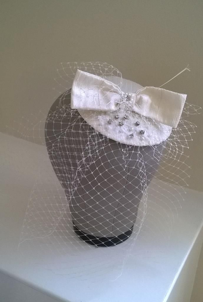 Vintage chic bridal fascinator by Beautiful Unique