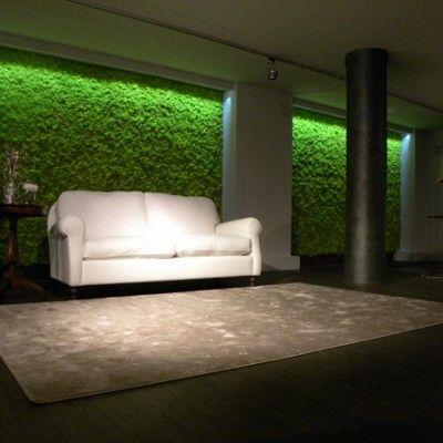 """""""Mosstile"""" - płytka pokryta mchem to interesujący produkt włoskiej formy Benetti Stone. Jest to sposób na wertykalny ogród we wnętrzu, który nie wymaga wkładu jakiejkolwiek pracy w utrzymanie. http://www.sztuka-krajobrazu.pl/316/slajdy/ogrody-na-scianach"""