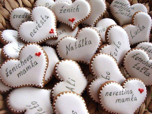 Perníkové svatební srdíčka-jmenovky