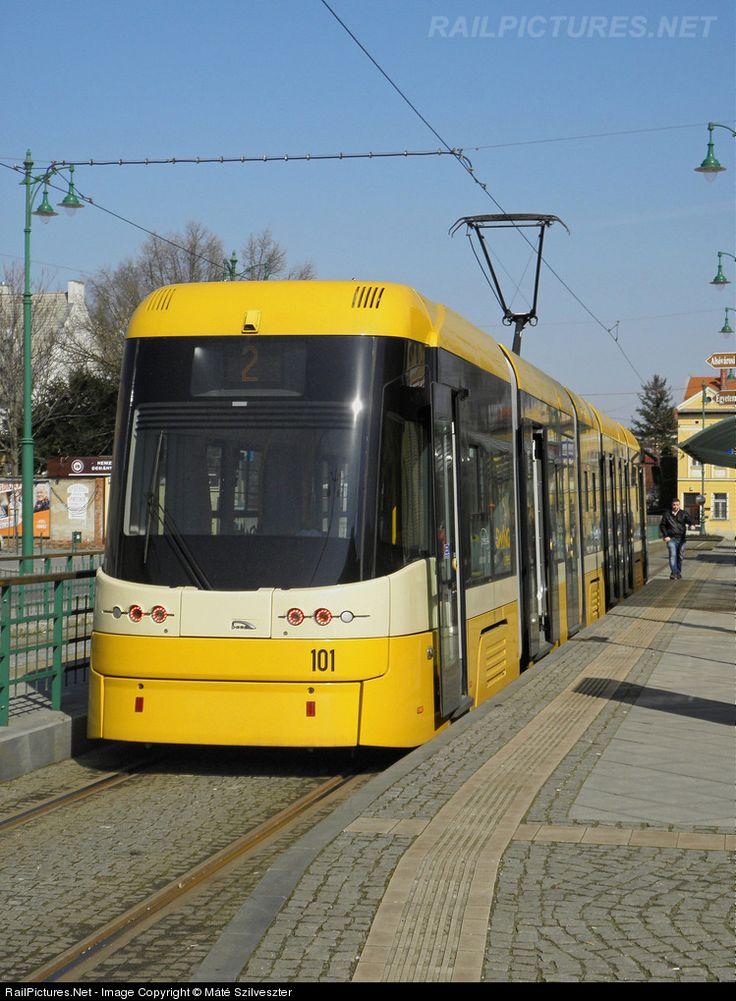 101 Szeged Transport Limited (SzKT Kft.) PESA Swing at Szeged, Hungary by Máté Szilveszter
