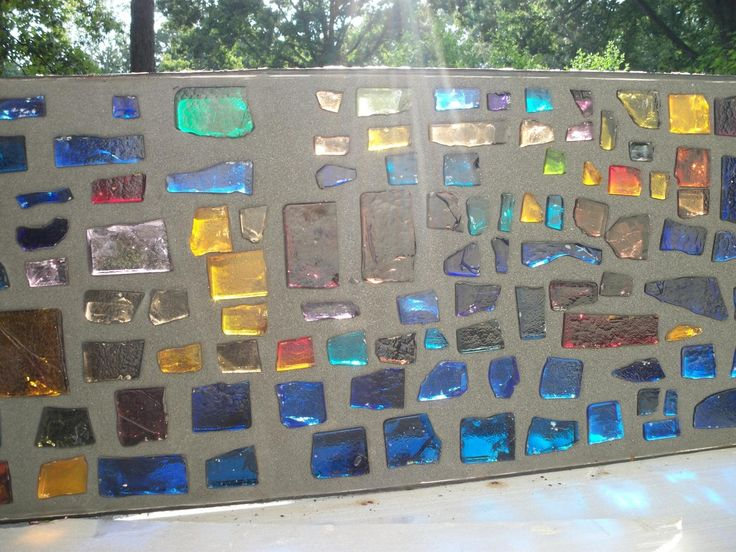 Cement and glass garden wall - niet dat ik dit zelf wil, maar wel leuk