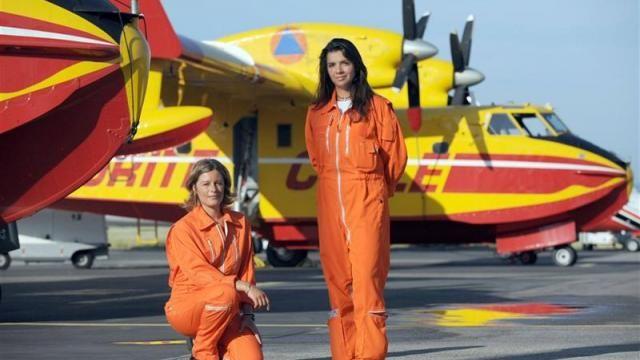 Jane Planchon  et Kathy Arazo, premières femmes pilotes de Canadair.