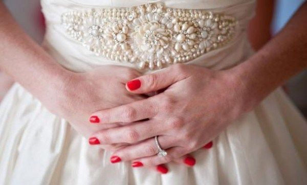 Unhas vermelhas para noivas - Dragon by Chanel