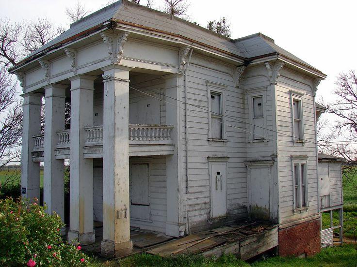 4775 best abandoned mansions images on pinterest for Abandoned plantation homes for sale