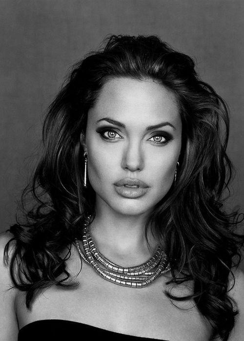 Angelina Jolie #celebrities, #pinsland, https://apps.facebook.com/yangutu