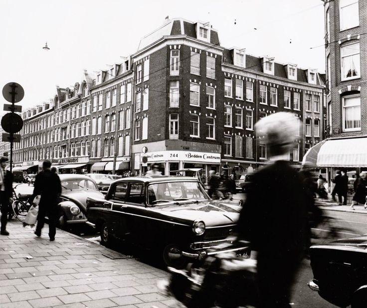 Kinkerstraat, rechts aan de overkant is de Nicolaas Beetsstraat. J.Stam, collectie Stadsarchief Amsterdam.