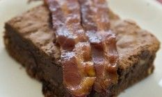 O brownie de bacon do chef Dudu Mesquita Foto: Hudson Pontes / Agência O Globo