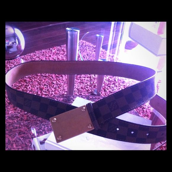 Louis Vuitton belt size medium Real leather men's belt size medium Louis Vuitton Accessories Belts