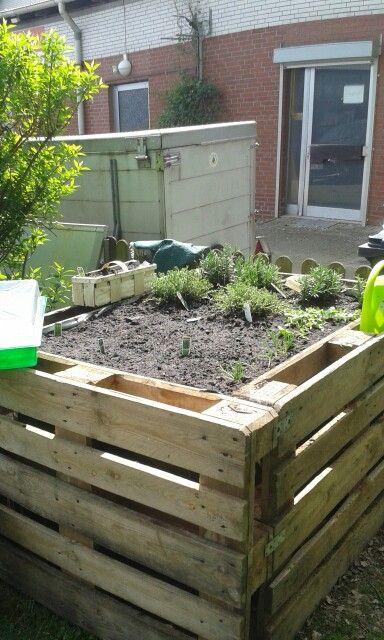Gartenmobel Holz Tisch Rund :  Aus Paletten en Pinterest  Hochbeet, Paletten Hochbeet y Hochbeet