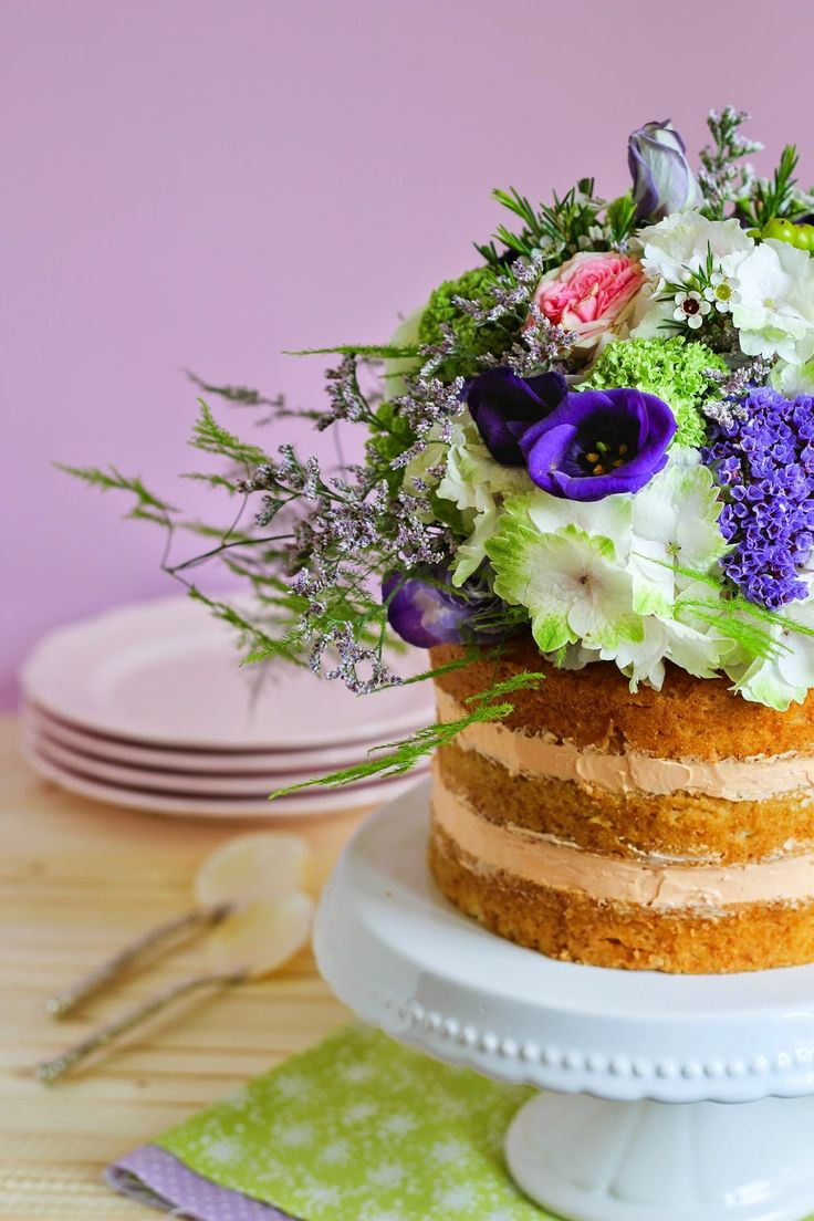 Naked cake de chocolate blanco y SMB de mandarina | Con aroma de vainilla