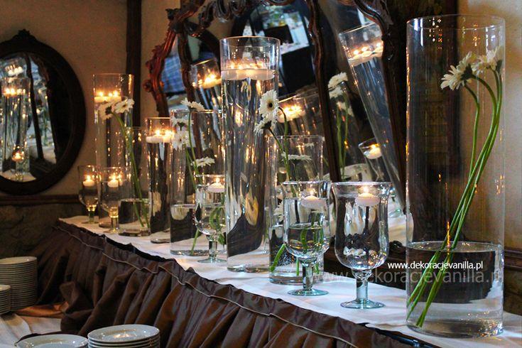 Krótki artykuł o weselu jakie odbyło się w Manor House.