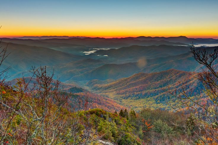 Smoky Mountains, North Carolina/Tennessee   29 Surreal Places In America You Need To Visit Before You Die