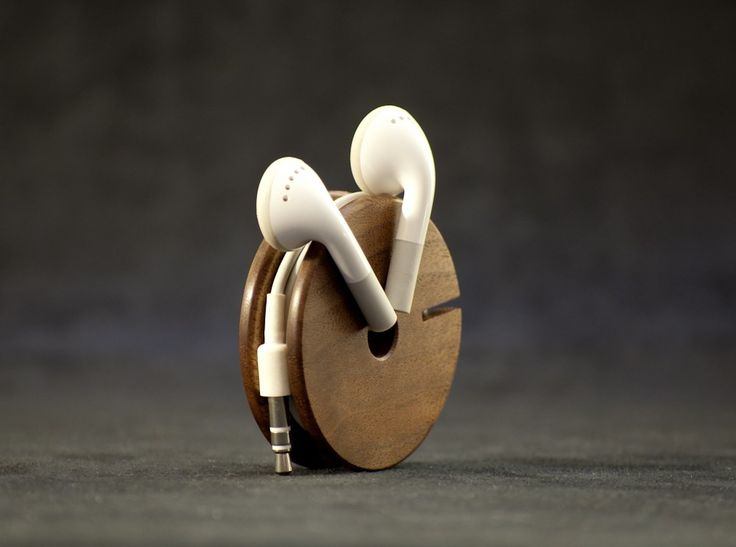 Wooden Earphone Organizer by AcousticDesign