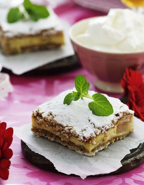 Nyd en lækker dessert – og med god samvittighed. Desserten behøver ikke at være en kaloriebombe for at være lækker. Her får du en, hvor fløden er skiftet ud med letmælk.
