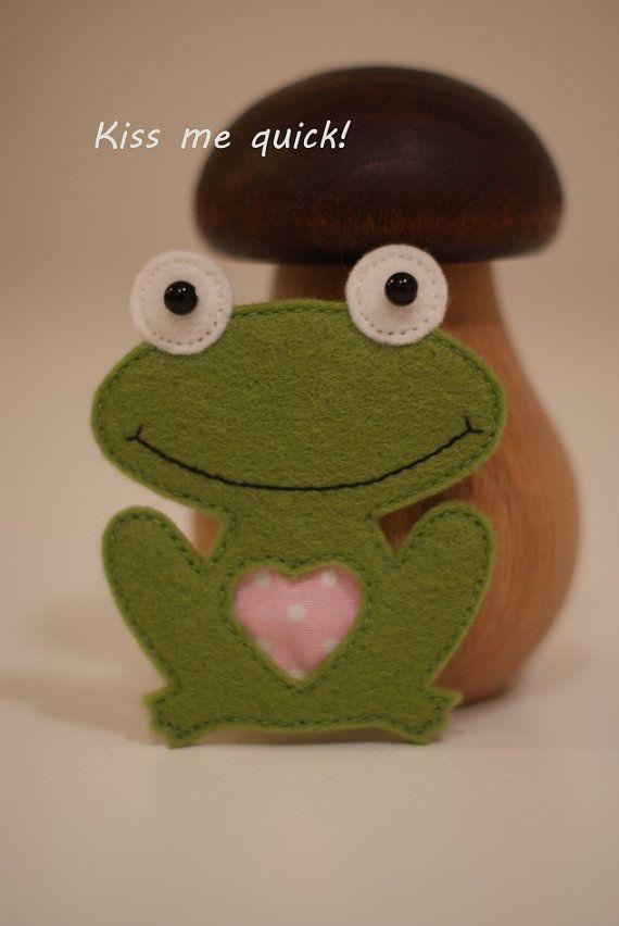 Felt Frog Brooch