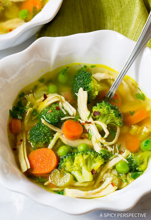 Best Ever Chicken Detox Soup Recipe loaded with lean chicken breast, vegetables and rich herby broth! Adapted for Perfect Weight America, a healthy cleanse