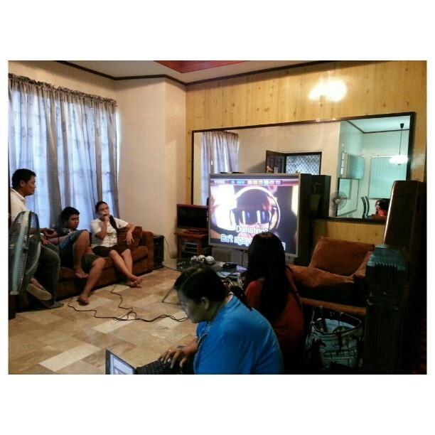 #カラオケ タイム #videoke time #house #warming #party #happy#karaoke#family#philippines#sing#song#フィリピン