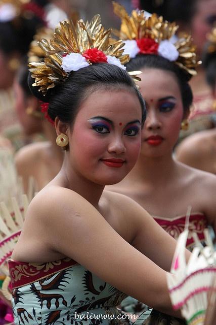 Bali - Indonesian girls