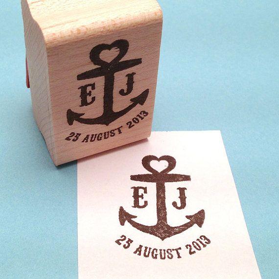 Personalisieren Sie dieses nautische Anker-Save the Date-Stempel mit Ihren Initialen und Hochzeitsdatum. Perfekte Größe für Stanzen, Umschläge,