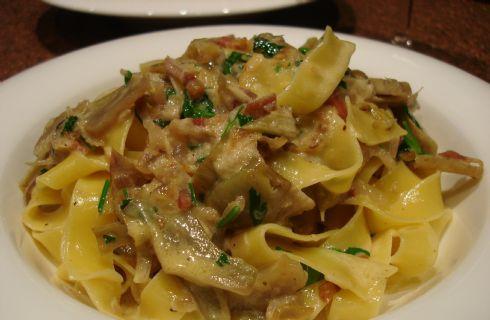 Pappardelle carciofi e pancetta