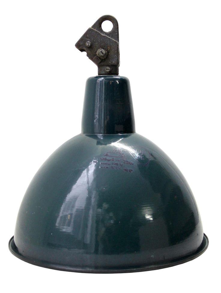 kaba petrol | Verlichting | 360volt. De grootste collectie oude originele industrielampen. Gespecialiseerd in fabrieks-, emaille en de industriele lampen.