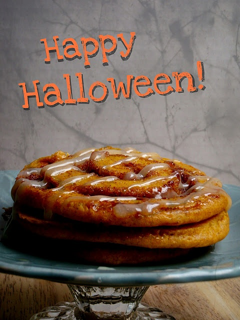 Pumpkin Cinnamon Roll Pancakes | FOOD FOOD FOOD. | Pinterest