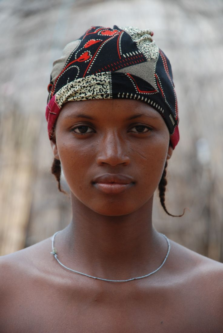 african tribal women pictures - 736×1099