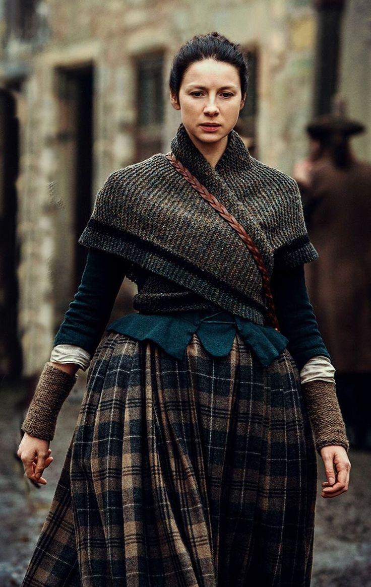 Outlander Season 2 Shawl Triangle Wrap Claire Scarf Shoulder Warmer READY TO SHIP by KnitPlayLove on Etsy https://www.etsy.com/listing/384982150/outlander-season-2-shawl-triangle-wrap